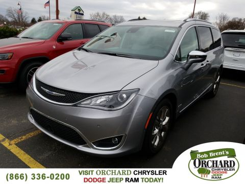 New 2017 CHRYSLER Pacifica Limited Demo