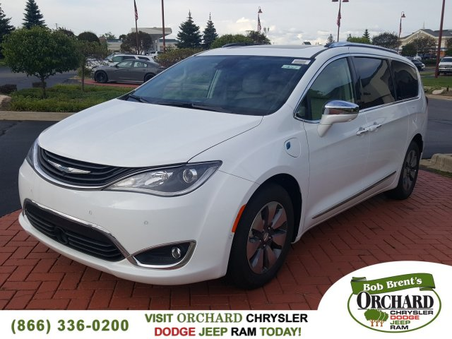 Pre-Owned 2017 Chrysler Pacifica Hybrid Hybrid Platinum